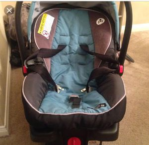 graco click connect 35 car seat with base for Sale in Lewis Center, OH