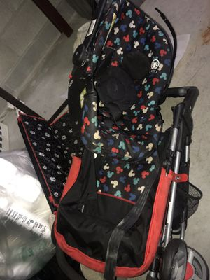 Mickey Mouse car seat and stroller for Sale in Harper Woods, MI