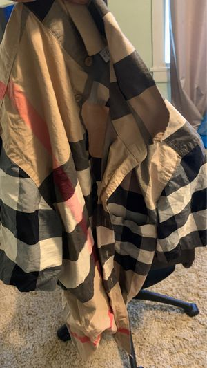 Large Burberry shirt for Sale in Oakland, CA