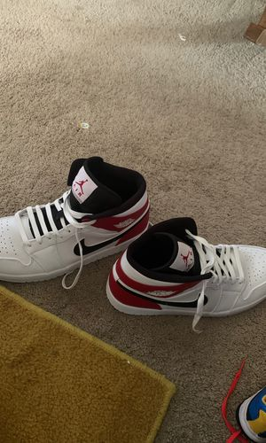Jordan 1s size 13 for Sale in Bloomington, IL
