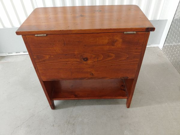 Color Block Front Flip-top Cabinet/ end table / nightstand