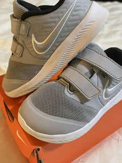 Nike Toddler Sneakers 8c for Sale in Buford,  GA