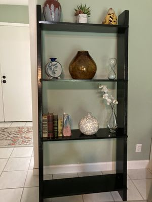 LEANING SOLID WOOD 4 TIER SHELF for Sale in San Antonio, TX