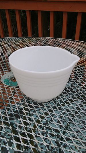 Vintage Pyrex Milk Glass Hamilton Beach Mixing bowl for Sale in Port Angeles, WA