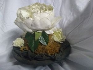 ***Delicate!!*** Bath of White Roses for Sale in Plant City, FL