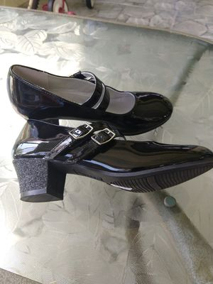American Eagle young adult dress shoes size 2 for Sale in Tampa, FL