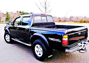 ֆ14OO 4WD Toyota Tacoma 4WD for Sale in Hapeville, GA
