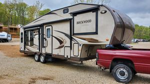 Rockwood signature ultra lite 5th wheel for Sale in Cocoa, FL