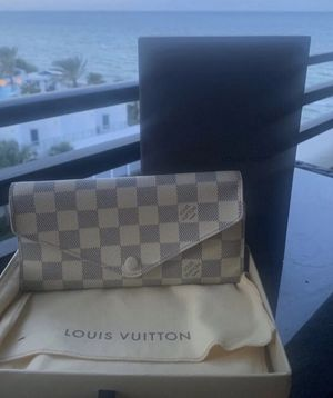 Authentic Louis Vuitton for Sale in Fort Lauderdale, FL