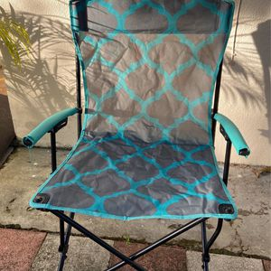 Beach/Fishing Xl Chair for Sale in St. Petersburg, FL
