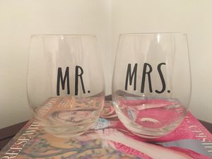 NEW Rae Dunn Mr and Mrs Wine Glasses for Sale in St. Petersburg, FL