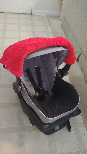 Car Seat w/ Base & cover for Sale in Raleigh, NC