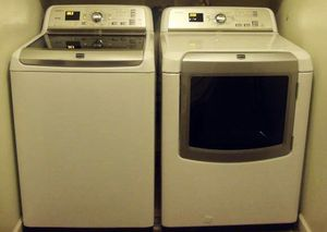 MAYTAG BRAVOS HE XL WASHER AND DRYER SET !! ELECTRIC/STEAM for Sale in Houston, TX
