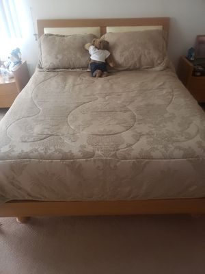Bedroom set for Sale in Rancho Cucamonga, CA