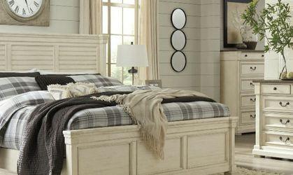 [SPECIAL] Bolanburg Antique White Panel Bedroom Set for Sale in Arlington,  VA