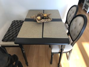 Breakfast table and chair set for Sale in Elmont, NY