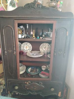 Antique China cabinet for Sale in Pasadena, TX