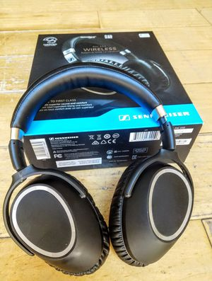 Sennheiser pxc 550 premium noise canceling Bluetooth headphones for Sale in Boulder City, NV