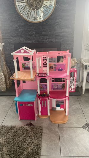 Barbies doll house for Sale in Dinuba, CA