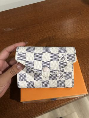 Brand new LV wallet for Sale in Compton, CA