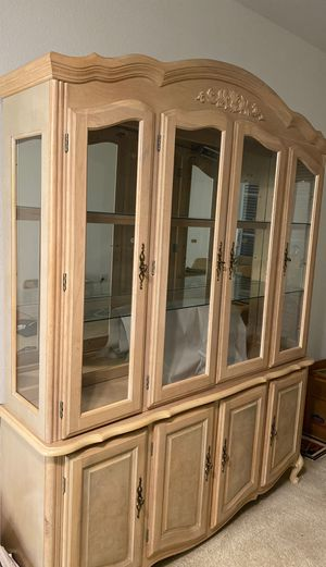 Exceptional Deal / Like new China cabinet for sale / must move out of apartment by 08/04/20 only $40 for Sale in Newport Beach, CA