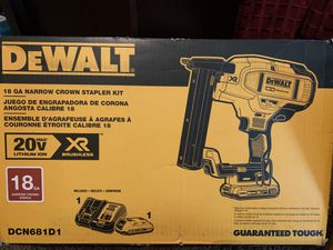 Dewalt 16ga angled finish nailer and a 18ga narrow crown stapler for Sale in East Haven, CT