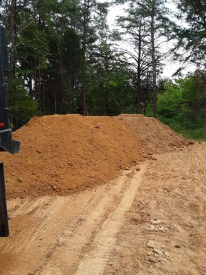 I have free field dirt in fairfax va if you want some load contact please for Sale in Sterling, VA