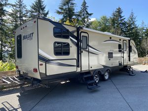 2016 bullet camper trailer 32 ft for Sale in Federal Way, WA