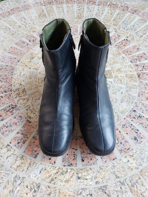 NIKE AIR LEATHER BOOTS double zip rain/cold weather for Sale in Las Vegas, NV