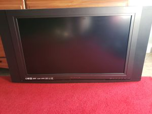 32 inch flat screen TV for Sale in Chelsea, MA