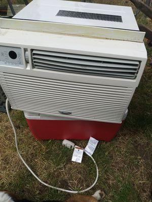 10,000 BTU. Window AC for Sale in Tacoma, WA