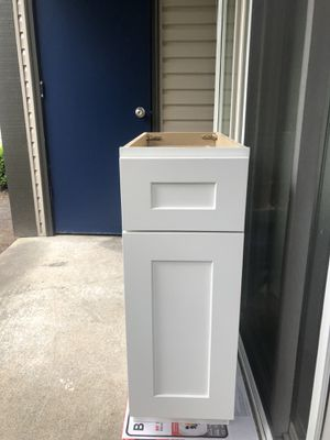 Cabinet - kitchen/ bathroom for Sale in Kent, WA