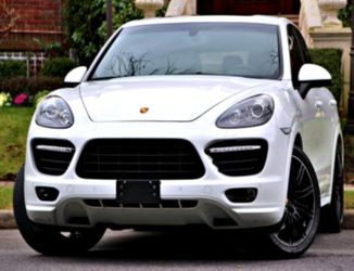 🕥 2014 Porsche Cayenne GTS for Sale in Springfield,  IL