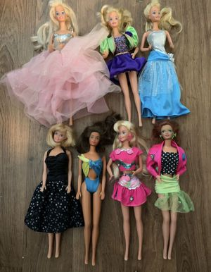 Mattel 1966 Barbies /genuine Barbie clothes for Sale in New Port Richey, FL