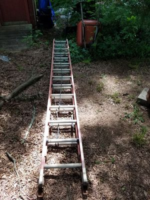 28' ladder for Sale in Marietta, GA