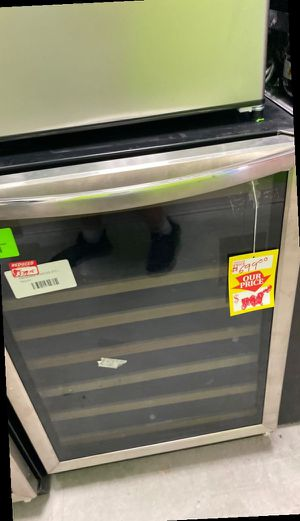 Frigidaire FGWC52L3TS wine chiller 🥶🥶🥶 2FU for Sale in Ontario, CA