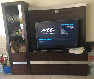 Entertainment center w/ light. for Sale in Miami Gardens, FL