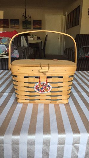 Longaberger picnic style basket purse with medallion signed 1996 for Sale in Stanton, CA