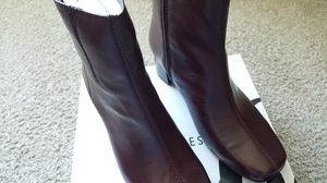 """Brand New Size 7W Women's Nine West Nw7PrettyLaw Dark Red 2"""" Heel Leather Upper Boots for Sale in Tempe, AZ"""
