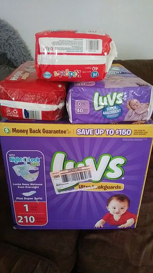 Baby pampers newborn and 1s 7 packs for 40 case of 1s 20 newborns by self 15 serious inquiries only. for Sale in Cleveland, OH