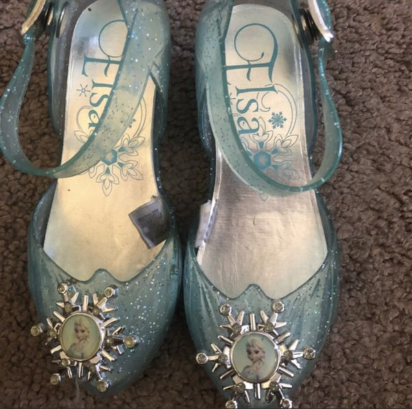 Elsa light up heels bought from Disneyland size 7.5 toddler