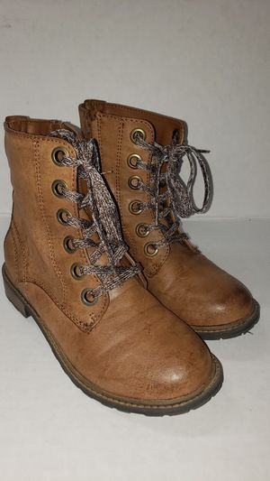 👢💁♀️ CAT & JACK LEATHER BOOTS SIZE 3 FOR GIRLS. 👢👭 for Sale in Los Angeles, CA