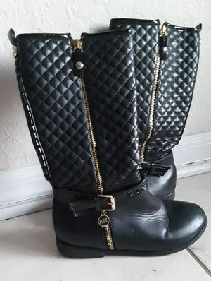 Girls Michael Kors black size 2 boots for Sale in Spring Hill, FL