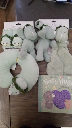 Baby bundle book, neck pillow rattle for Sale in Miami,  FL