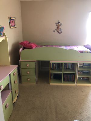 Dollhouse Loft Bed & Desk for Sale in Raleigh, NC