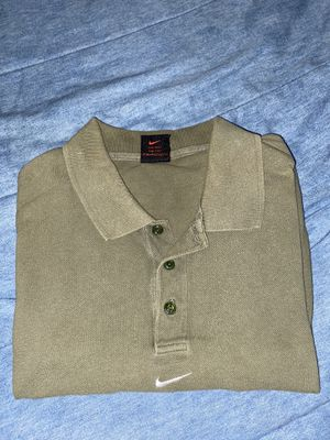 Men's nike short sleeve shirt for Sale in Durham, NC