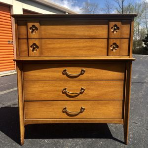 Mid Century dresser for Sale in Woodbridge, VA