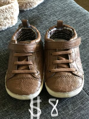 Baby Tyler shoes stride rite great for learning how to walk size 4 crib shoes for Sale in San Dimas, CA