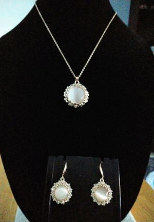 Elegant crystal gold plated necklace and earring set. Brand new for Sale in Panama City Beach, FL