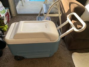 Igloo cooler with wheels for Sale in San Jose, CA